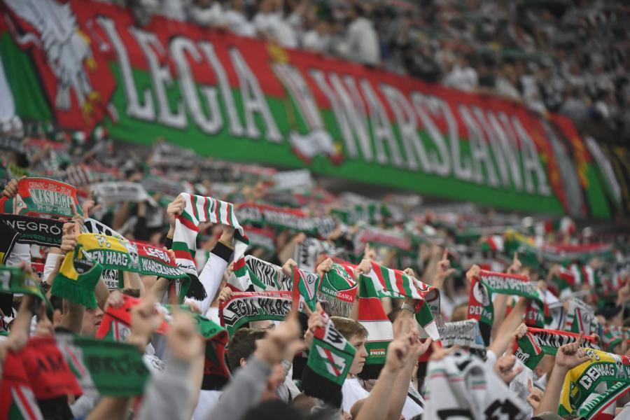 Kibice Legii Warszawa podczas meczu 27. kolejki piłkarskiej Ekstraklasy z Pogonią Szczecin