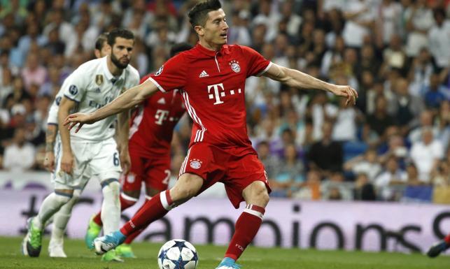 Liga Mistrzów: Lewandowski zrobił co do niego należało, ale Real miał Ronaldo i... pomoc sędziego