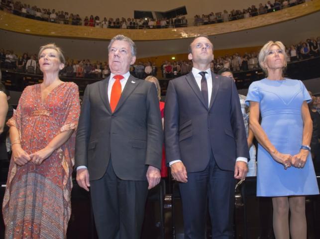 Maria Clemencia Rodriguez i Juan Manuel Santos oraz Emmanuel i Brigitte Macronowie