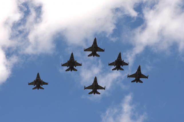 Polskie F-16
