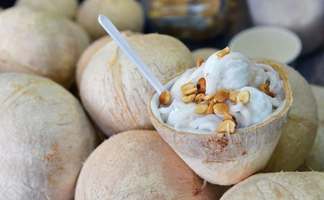 Młody kokos odmładza...