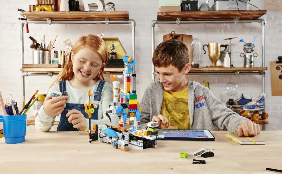LEGO Boost, czyli sprawdzamy nową serię najbardziej znanych klocków świata