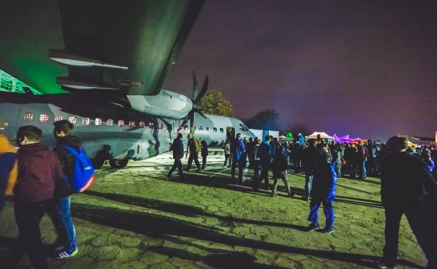 Noc w Instytucie Lotnictwa