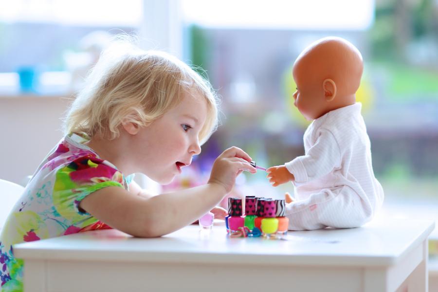 Zabawa lalką