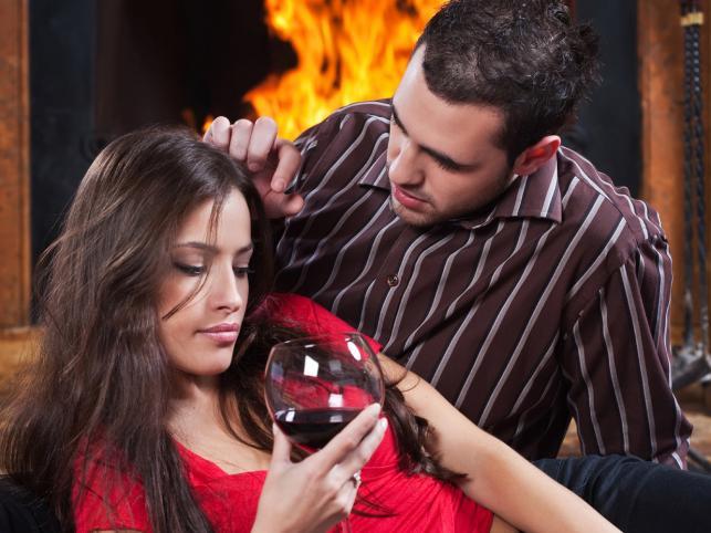 Горячительные напитки в разумных дозах способны усилить сексуальное