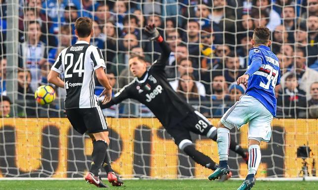 Liga włoska: Szczęsny trzy razy wyjmował piłkę z siatki w