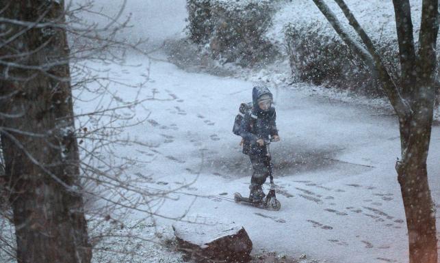 Niż Peter przyniósł śnieg. Będzie ochłodzenie, ale tylko chwilowe [PROGNOZA POGODY NA 16 DNI]