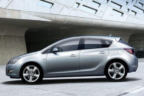 Opel astra idzie jak woda