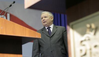 Kaczyński: Rząd skrywa problemy pod dywanem
