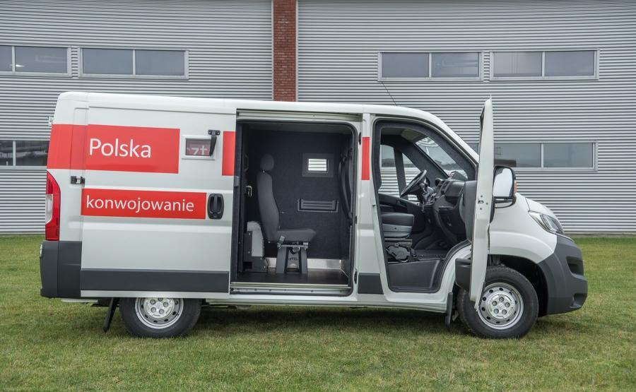 Citroen Polska po raz kolejny wygrał przetarg na dostarczenie pojazdów dla Poczty Polskiej. Tym razem dotyczył on samochodów do przewozu wartości - tzw. bankowozów. Specjalną zabudowę na bazie modelu Jumper opracowała firma Carpol