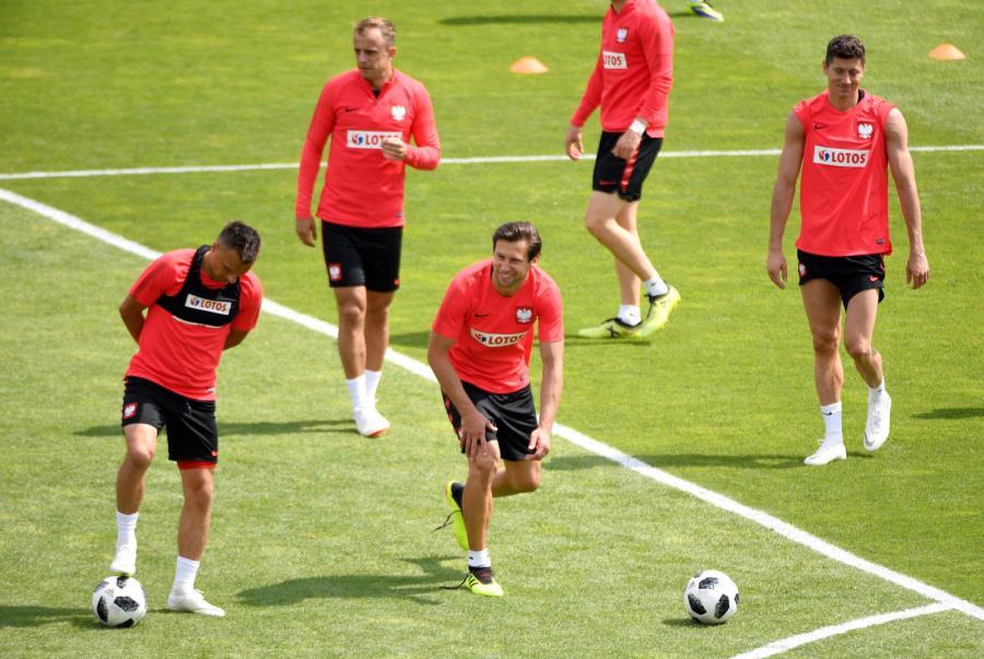 Sławomir Peszko, Kamil Grosicki, Grzegorz Krychowiak i Robert Lewandowski podczas treningu w Arłamowie