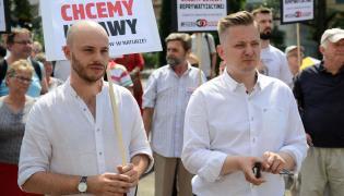 Jan Śpiewak (L) i rzecznik PSL, kandydat na prezydenta Warszawy Jakub Stefaniak