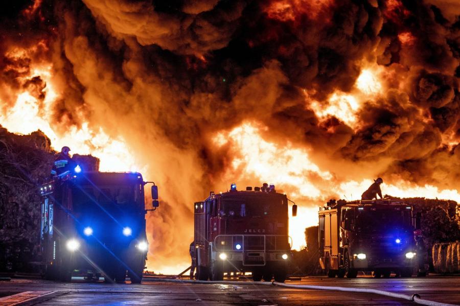 Pożar wysypiska w Zgierzu