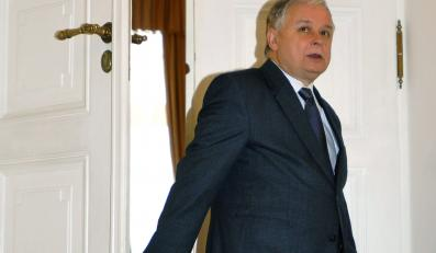 Prezydent Kaczyński kupuje czterysta mebli