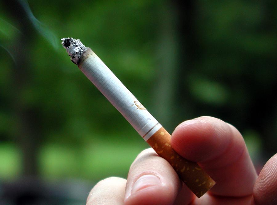 Zakaz palenia na przystankach nielegalny