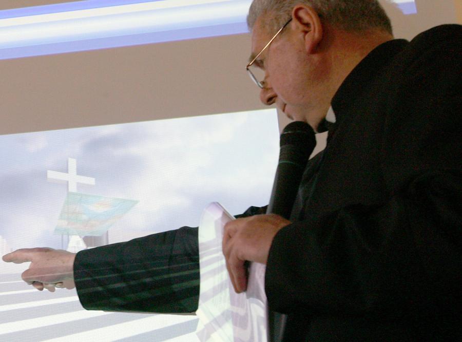 Ksiądz Andrzej Przekaziński, był - według dokumentów SB - zarejestrowany jako TW.