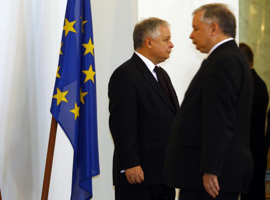 Bracia Kaczyńscy zjednoczeni wobec euro