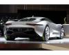 Ale nie zasięg jest tu najistotniejszy. Każdy silnik waży zaledwie 50 kg, ale produkuje 145kW (195 KM) mocy i zadziwiający łączny moment obrotowy 1600 Nm i moc aż 780 KM. Supersamochód Jaguara rozpędza się od 0 do 100 km/h w jedyne 3,4 sekundy, a 300 km/h osiąga w 15,7 sekundy, czyli aż o 1,2 sekundy szybciej niż Bugatti Veyron!
