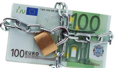 Ekonomiści krytykują Unię: Komedia euro