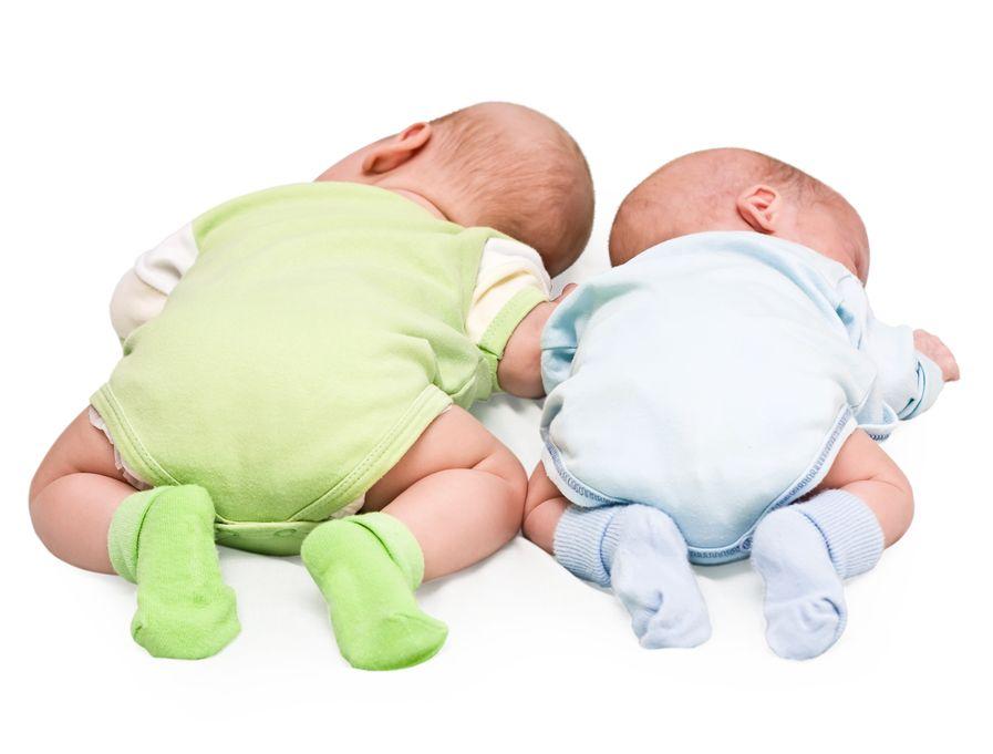 Według sejmowej komisji dziecięce ubranka i obuwie miałyby zdrożeć później