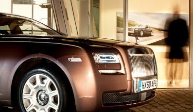 W firmie większościowy pakiet jej akcji posiadają Daimler i Rolls-Royce