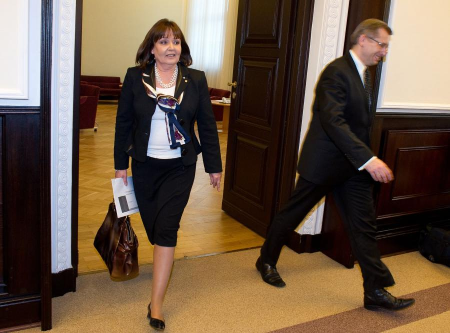 Minister Tuska donosi na Holandię do Brukseli