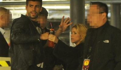 Shakira na parkingu