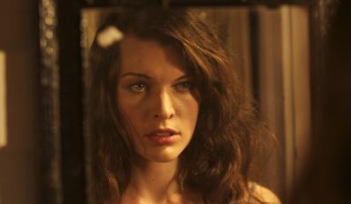 Piękna Milla znowu zmierzy się z zombie