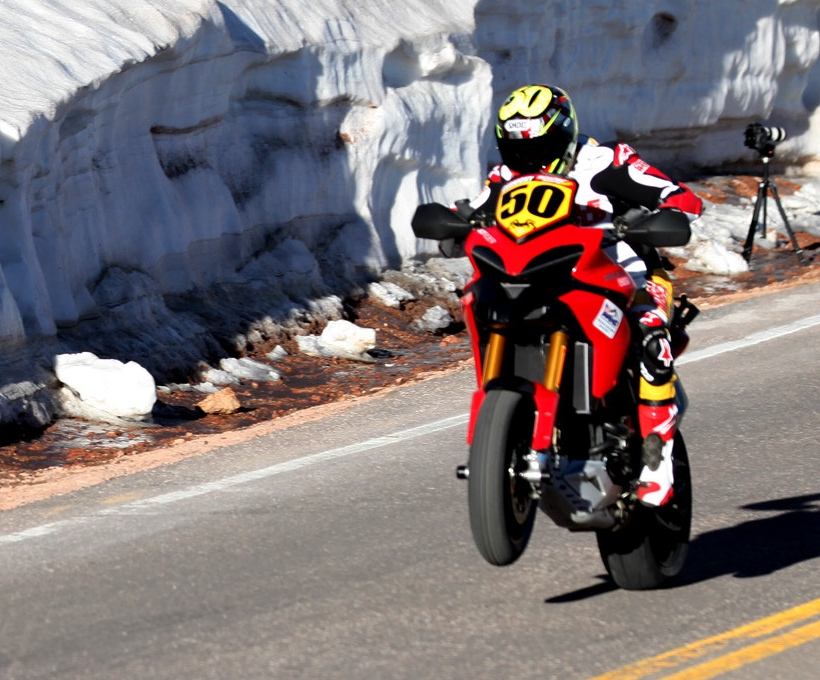 Ducati wygrało Pikes Peak International Hill Climb 2011