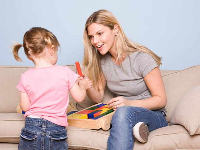 Dni wolne na opiekę nad dzieckiem - kiedy przysługują pracownikowi?