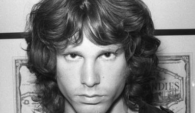 Jim Morrison – legendarny wokalista The Doors (1971 – zawał serca)