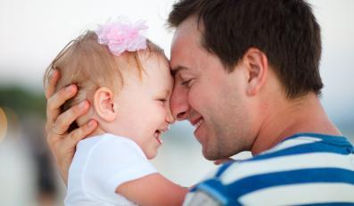 Wstęp do bycia rodzicem zastępczym to kilkadziesiąt godzin nauki