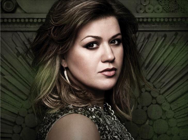 Kelly Clarkson przedstawia wszechwiedzącego pana