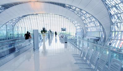 Nowoczesne lotnisko w Bangkoku
