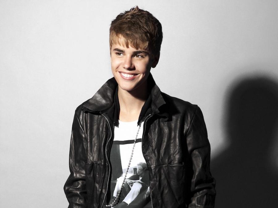 Justin Bieber ratuje gwiazdkę