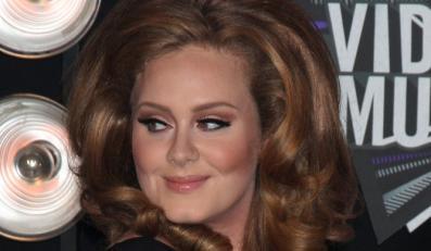 """Adele z """"21"""" pobiła rekord Ushera"""