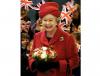 Elżbieta II została ogłoszona królową 7 lutego 1952. Nie można jednak dokładnie określić momentu rozpoczęcia jej panowania, ponieważ król Jerzy VI zmarł we śnie