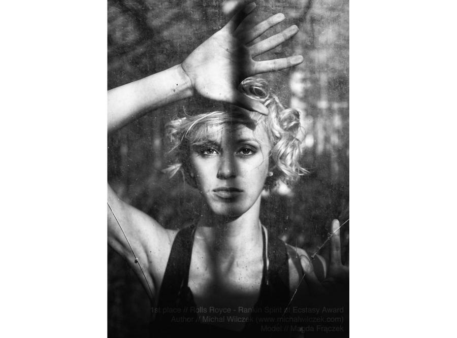 Zwycięskie zdjęcie. Michał Wilczek pokonał kilkuset fotografów z całego świata i wygrał konkurs zorganizowany przez firmę Rolls Royce na współczesną interpretację fotograficzną Spirit of Ecstasy
