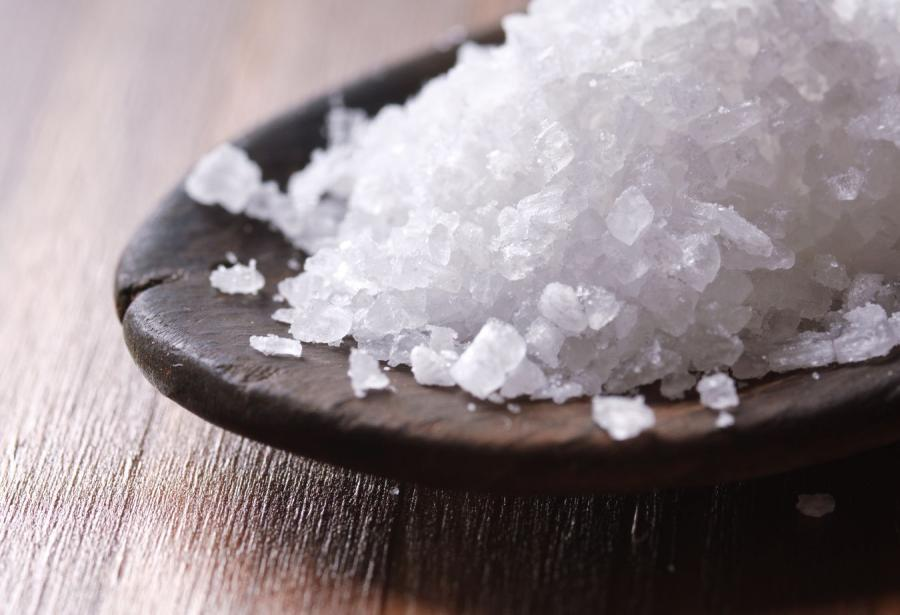 Niejadalna sól trafiała na polskie stoły. Skala procederu mogła być ogromna