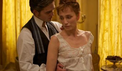 Uwodziciel Robert Pattinson i Kristin Scott Thomas