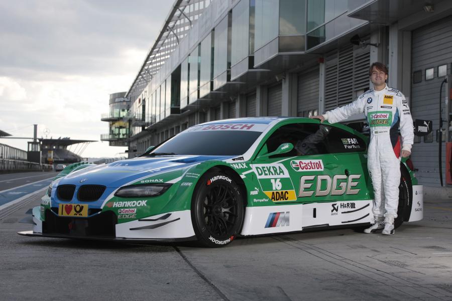 Augusto Farfus na niemieckim torze wyścigowym Nürburgring przy samochodzie BMW M3 DTM zespołu Castrol EDGE