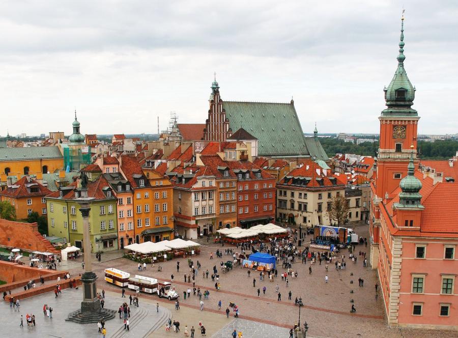 Coraz więcej turystów odwiedza Polskę