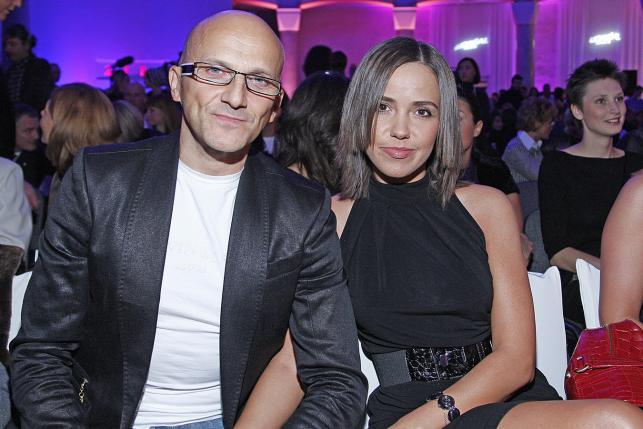 Robert Rozmus z żoną