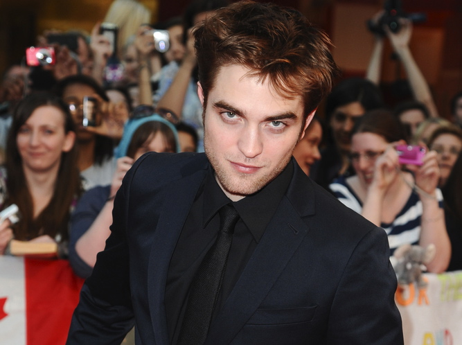 Robert Pattinson marzy o roli Jamesa Bonda