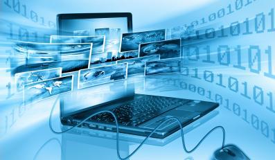 Komputer laptop w świecie wirtualnym - wyobrażenie internetu