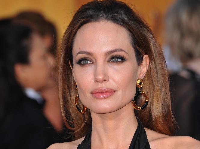 Angelina Jolie złą czarownicą w \