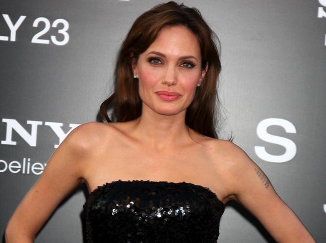 Angelina Jolie chce poświęcić się rodzinie i służbie w ONZ