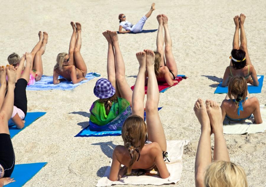 Zajęcia fitness na plaży