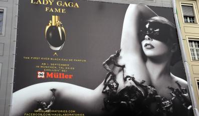 "Lady GaGa promuje swoje perfumy ""Fame"""