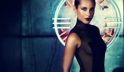 """Alicia Keys z """"Girl on Fire"""" podczas MTV Video Music Awards"""